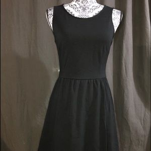 Old Navy Little black dress size S